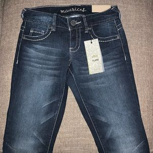 NWT Maurices Ellie Flare Jeans Size 0.